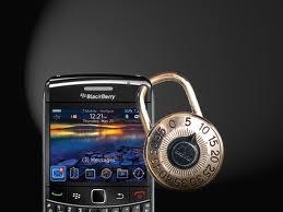 Un lucchetto al cellulare